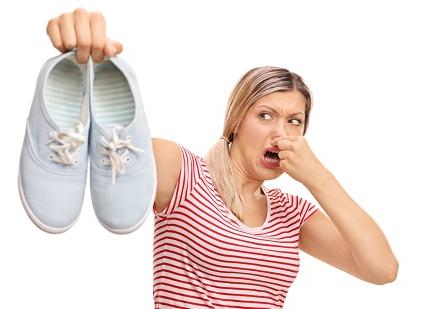 Воняют ноги и обувь у мужчин фото 1