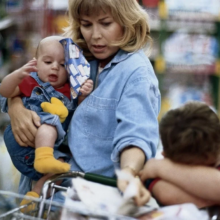 «У меня трое детей, я не могу работать», сказала сестра мужа. А деньгами должны помогать мы
