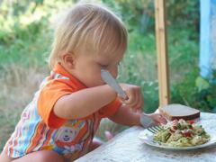 Муж ест в ресторанах, а я и дети питаемся макаронами